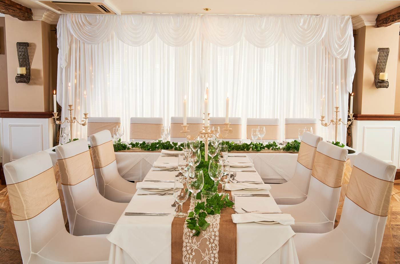 Bunratty Manor Wedding Room